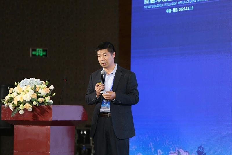 山东省农业科学院吴家强研究员作《非洲猪瘟生物安全防控技术》的主题报告。