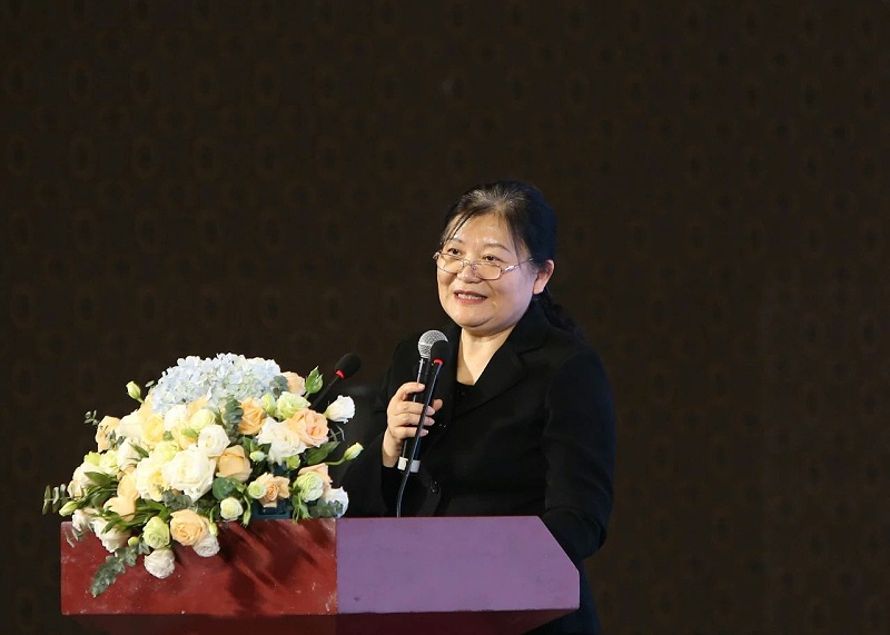 中国生物发酵产业协会王洁秘书长作《生物发酵产业高质量发展》的主题报告。